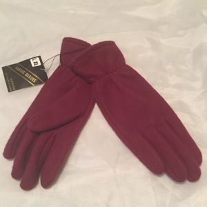 NWT gloves-really cute and soft! Size L/XL